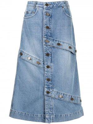 Джинсовая юбка с декоративными пуговицами J Koo. Цвет: синий