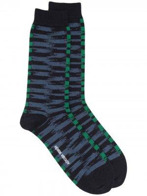 Носки с абстрактным узором HENRIK VIBSKOV. Цвет: зеленый