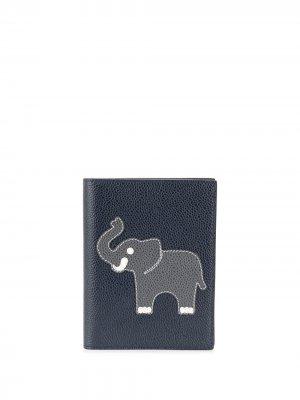 Обложка для паспорта с аппликацией Thom Browne. Цвет: синий