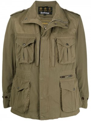 Куртка на молнии с карманами Barbour. Цвет: зеленый