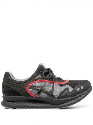 Кроссовки со вставками ASICS. Цвет: серый