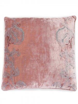 Диванная подушка с вышивкой Anke Drechsel. Цвет: розовый
