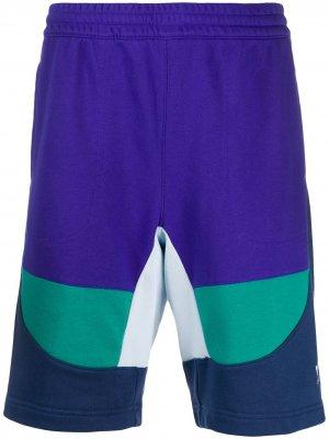 Спортивные шорты в стиле колор-блок adidas. Цвет: фиолетовый