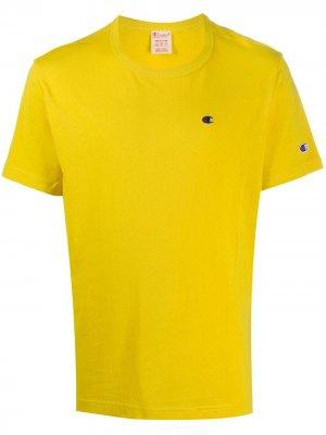 Футболка с вышитым логотипом Champion. Цвет: желтый