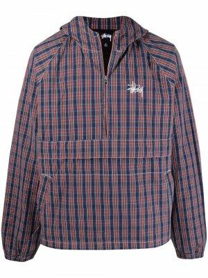 Клетчатая куртка-анорак с логотипом Stussy. Цвет: синий