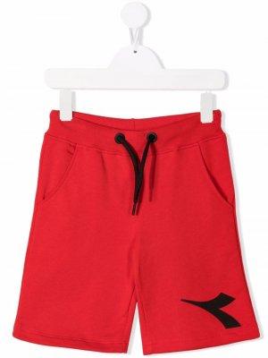 Спортивные шорты с логотипом Diadora Junior. Цвет: красный
