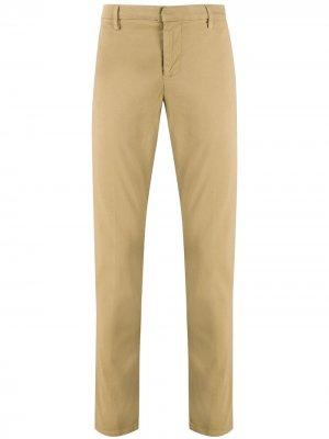Узкие брюки чинос Dondup. Цвет: нейтральные цвета