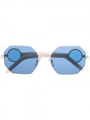 Солнцезащитные очки ME118S в массивной оправе Marni Eyewear. Цвет: нейтральные цвета