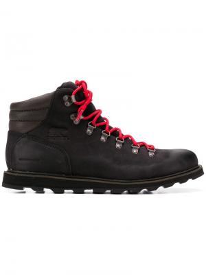 Ботинки на шнуровке Sorel. Цвет: черный