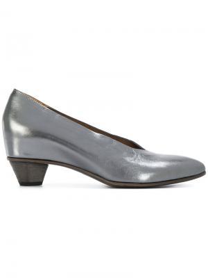 Туфли с миндалевидным носком Del Carlo. Цвет: серый