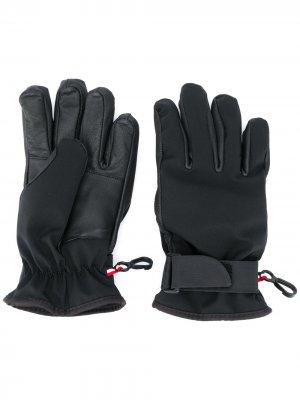 Перчатки с нашивкой-логотипом Moncler Kids. Цвет: черный