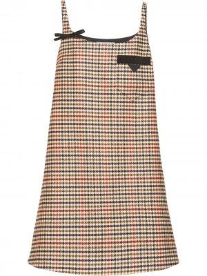 Платье-трапеция в ломаную клетку Prada. Цвет: синий