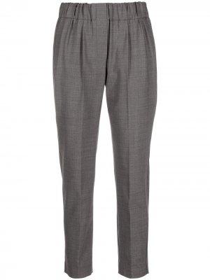 Зауженные брюки Brunello Cucinelli. Цвет: серый