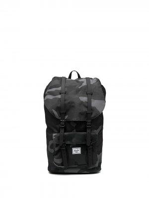 Рюкзак Little America с камуфляжным принтом Herschel Supply Co.. Цвет: серый