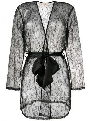 Короткий кружевной халат Myla. Цвет: черный