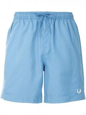 Плавки-шорты с логотипом Fred Perry. Цвет: синий