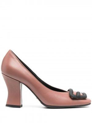 Туфли-лодочки с квадратным носком и пряжкой Roberto Festa. Цвет: розовый