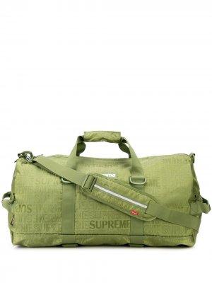 Дорожная сумка с логотипом Supreme. Цвет: зеленый