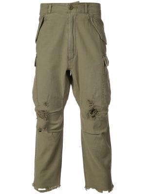 Укороченные брюки с декоративными дырами R13. Цвет: зеленый