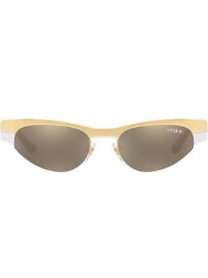 Солнцезащитные очки из коллаборации с Gigi Hadid Vogue Eyewear. Цвет: золотистый