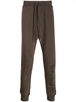 Спортивные брюки с вышитым логотипом Timberland. Цвет: коричневый