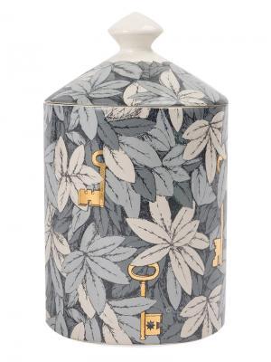 Свеча в подсвечнике с принтом Fornasetti. Цвет: разноцветный
