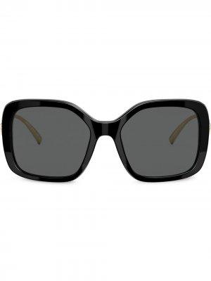 Солнцезащитные очки в массивной оправе Versace Eyewear. Цвет: черный