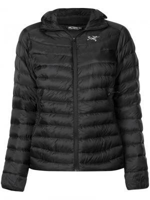 Quilted hooded jacket Arc'teryx. Цвет: черный