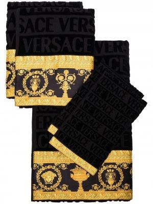 Набор из пяти полотенец с принтом Barocco Versace Home. Цвет: черный