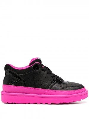 Кроссовки на массивной подошве UGG. Цвет: черный