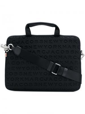 Чехол для планшета 13 с логотипом Marc Jacobs. Цвет: черный