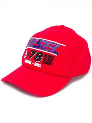 Бейсболка с логотипом Diesel. Цвет: красный