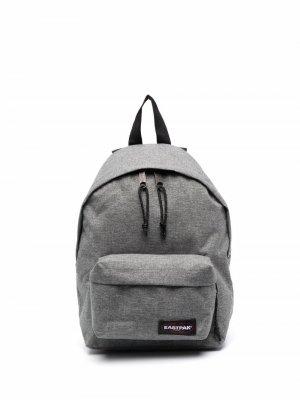 Рюкзак Pakr с нашивкой-логотипом Eastpak. Цвет: серый