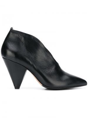 Туфли на каблуке конической формы The Seller. Цвет: черный