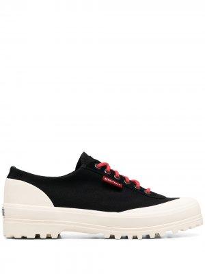 Двухцветные кроссовки Superga. Цвет: черный