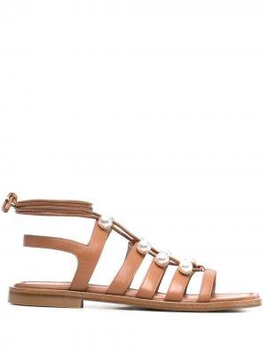 Декорированные сандалии Stuart Weitzman. Цвет: коричневый