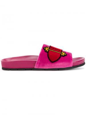 Шлепанцы с принтом пряжки Prada. Цвет: розовый и фиолетовый