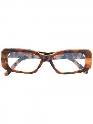 Очки в прямоугольной оправе черепаховой расцветки Marni Eyewear. Цвет: коричневый