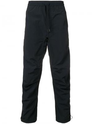 Спортивные брюки Maharishi. Цвет: черный