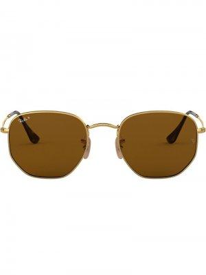 Солнцезащитные очки в шестиугольной оправе Ray-Ban. Цвет: золотистый