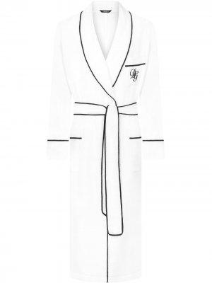 Халат с вышитым логотипом Dolce & Gabbana. Цвет: белый