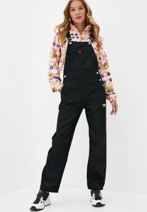 Комбинезон джинсовый adidas Originals. Цвет: черный