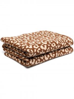 Плед с леопардовым принтом AMI AMALIA. Цвет: коричневый