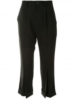 Укороченные брюки строгого кроя Yohji Yamamoto. Цвет: черный