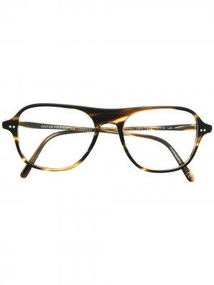 Очки в оправе черепаховой расцветки Oliver Peoples. Цвет: черный