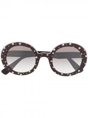 Солнцезащитные очки в круглой оправе с принтом Miu Eyewear. Цвет: черный