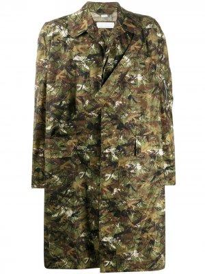 Однобортное пальто с камуфляжным принтом Random Identities. Цвет: зеленый