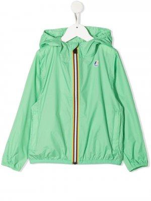 Куртка на молнии с капюшоном и логотипом K Way Kids. Цвет: зеленый
