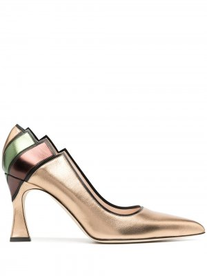 Туфли-лодочки Decolletè из коллаборации с Nataly Osmann Pollini. Цвет: золотистый