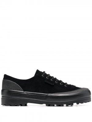 Кеды на шнуровке Superga. Цвет: черный